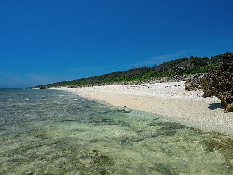 イシキ浜|情報一覧|沖縄で定番・おすすめの観光スポット|沖縄観光 ...